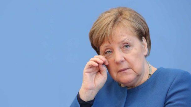 Más de 6 minutos de aplausos a Angela Merkel en su despedida - El Federalista - El valor de la palabra